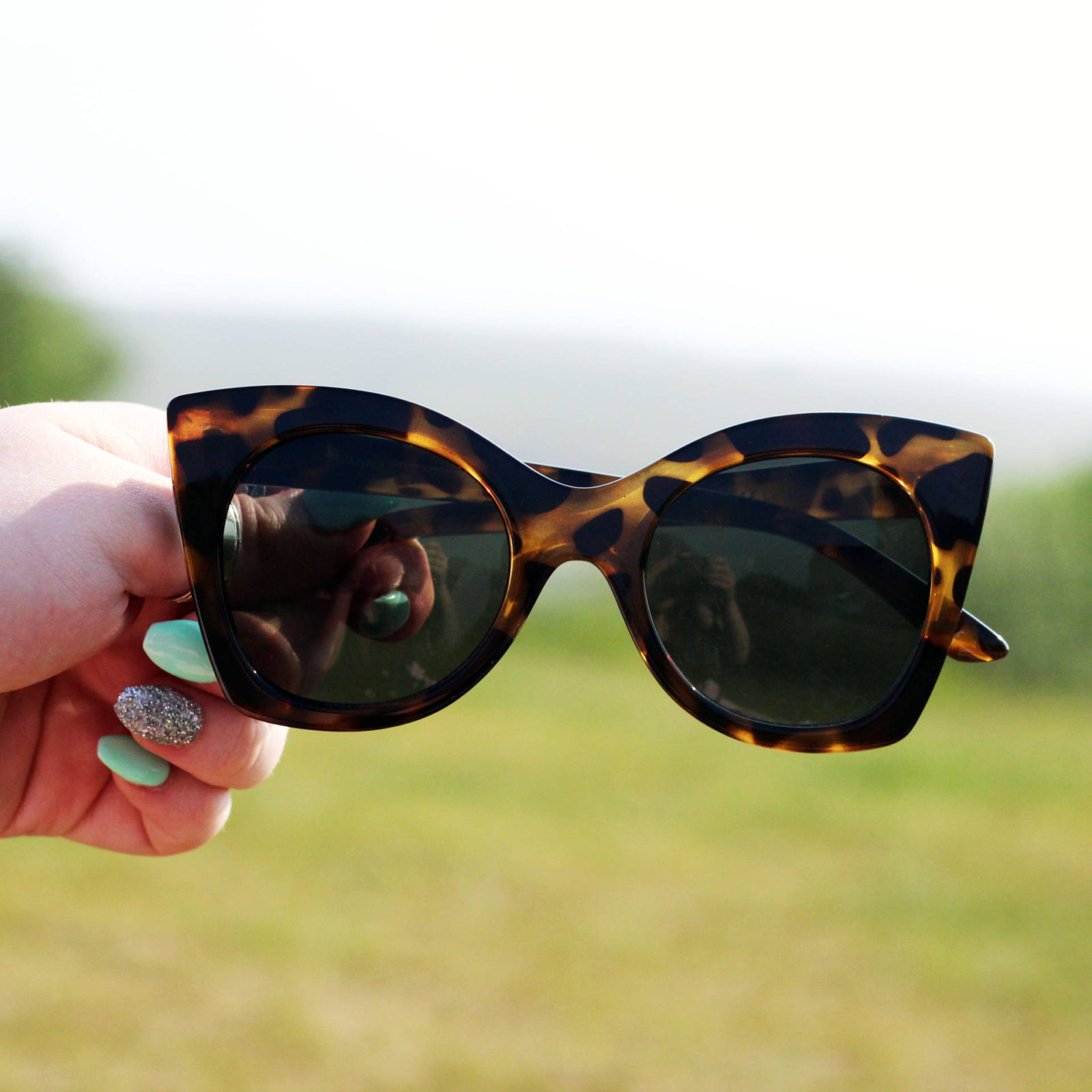 Le Specs Sunglasses Review | Jules B