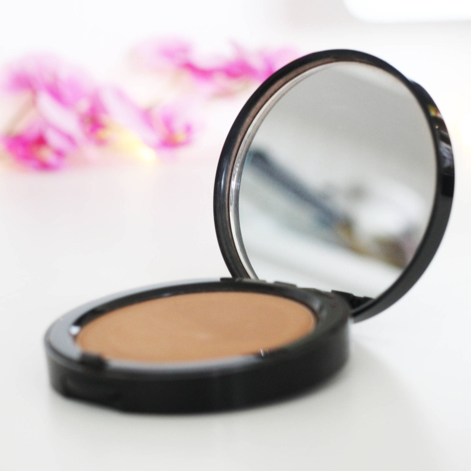 Bronzed with Bobbi | Bobbi Brown